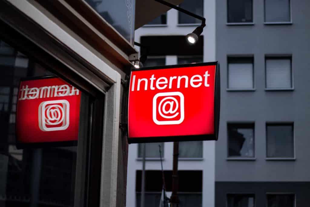 Знак интернета